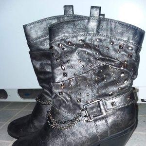 BKE Metallic gray studded heeled boot